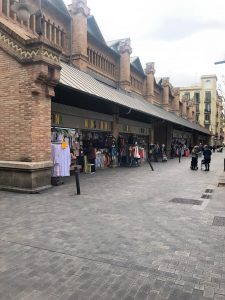 Kleiderstand am Markt